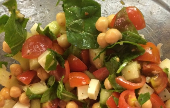 tomato chickpea salad | Island Real Estate