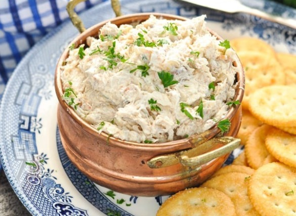crab dip with crackers | Island Real Estate